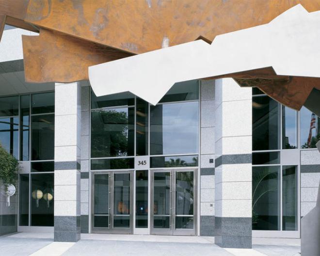 Adobe systems headquarters ellison bronze custom for Case in stile adobe