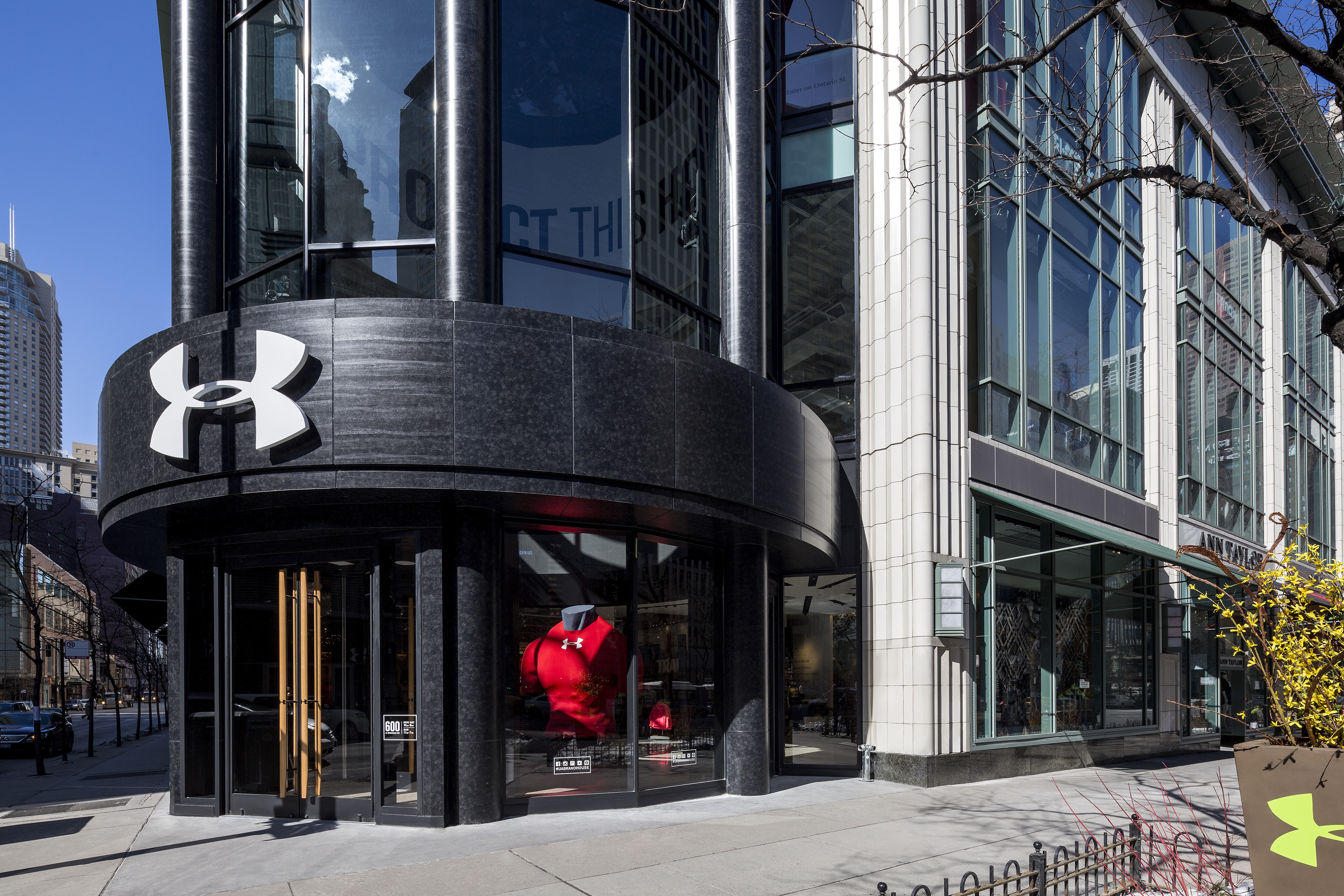 Under Armour Brand House Chicago Ellison Bronze